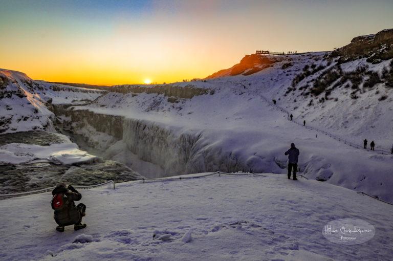 Ved Gullfoss - godt med turister selv i januar
