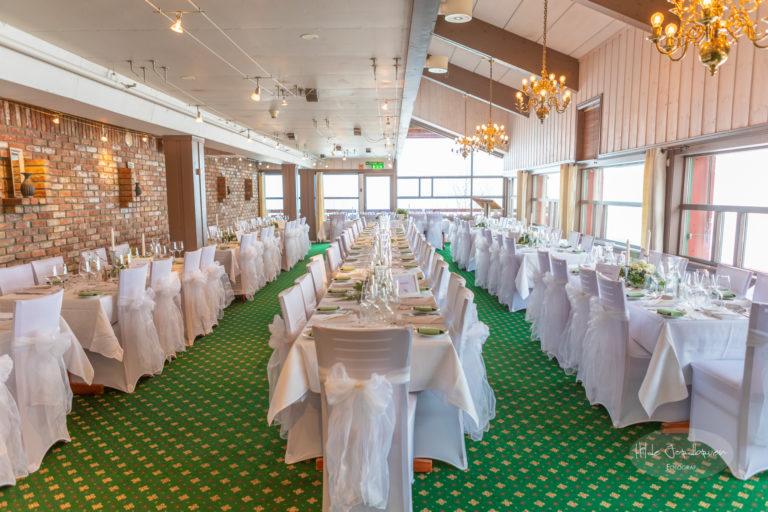 Spisesalen på Spidsbergseter klar for bryllupsmiddag